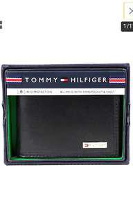 Free NM*2 instock*Authentic*Tommy Hilfiger Men's Premium Billfold Black Coin Pocket Wallet (👌 negotiable for fast deal)