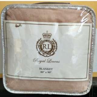 ROYAL Full-sized Blanket