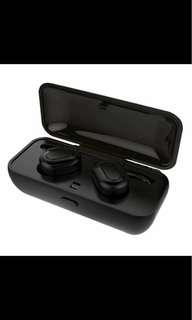 True Wireless Earbuds w Charging Case