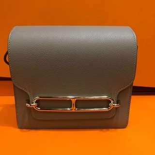 正品 全新 Hermes Roulis Mini M8 銀河灰金扣斜揹袋