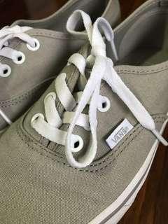 Vans Authentic. Size US 6.5/UK 4.