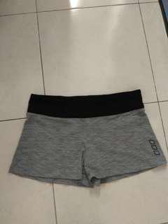 UNIQUELY BY LORNA JANE SPORT SHORT SIZE S