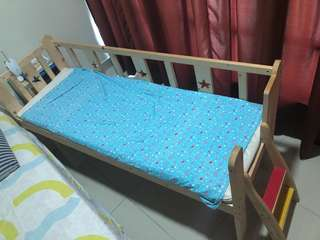 Side kid bed real wood with mattress