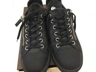 Original louis vuitton sneaker LV