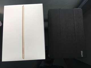 Selling iPad 5th Gen 2017 32GB (Gold)