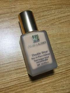 Estee Lauder Double Wear Stay-In-Place Makeup (TAWNEE)
