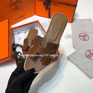 Hermes Oran Sandal Flat- brown