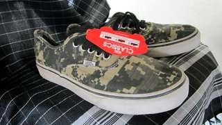 Sepatu vans army