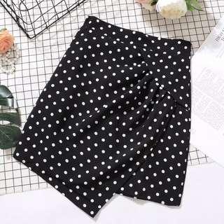 🚚 (全新)黑白點點不規則裙