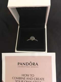 Pandora Ring💯real ,👍😊🈹🈹有原庒盒、購入$699可SF到付。siza:52