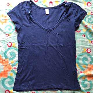 Plaza Italia V neck shirt
