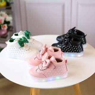 sepatu sneakers anak led