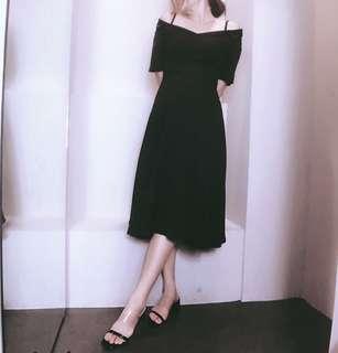 🚚 歐美韓系黑色氣質短袖綁腰渡假氣質女神洋裝挖肩