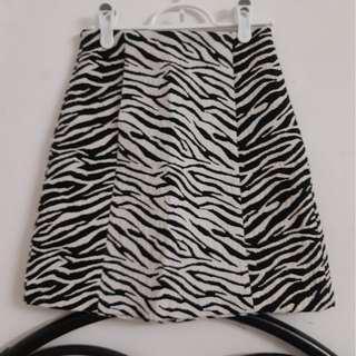 Zara Zebra patterned textured skirt