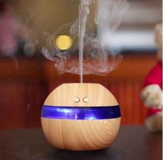 Essential Oil Diffuser / Humidifier - Light Wood Grain