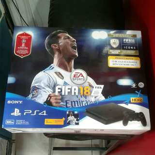PS4 FIFA 2018 Bundle SET