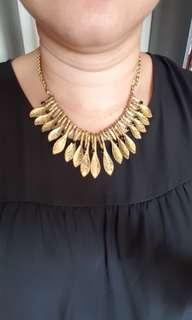 Preloved Set Necklace & Earrings