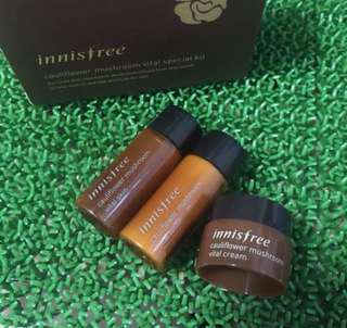 Innisfree Cauliflower Mushroom Vital Special Kit