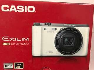 🚚 ZR1200相機