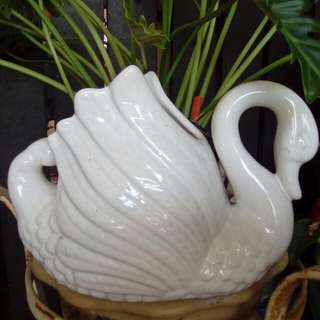 Ceramic white Swan pot plant