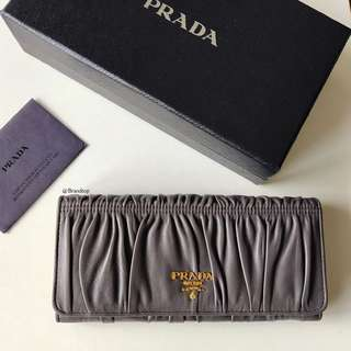 Authentic Prada Graphite Nappa Gaufre Button Wallet 1M1132