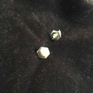 🚚 五角金屬耳環