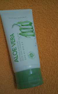 Nature republic Aloe vera cleansing gel foam