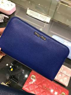 🇺🇸ready stock Miu Miu long zip purse