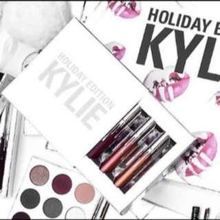 Kylie Jenner 4 Piece Holiday Edition Lipstick Set