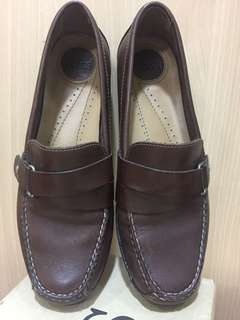 Bass Brown Leather Slip on