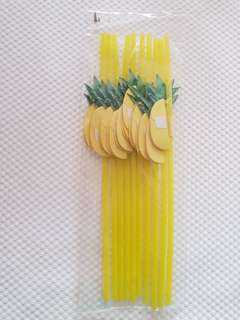 2 packets of 10 straws with pineapple design