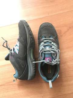 Authentic Merrell sz 37.5 hiking shoes