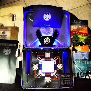 🚚 Marvel Cinematic Universe: Phase One – Avengers Assembled 10-Disc Blu-ray Collector Edition