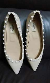 VALENTINO GARAVANI flat shoes