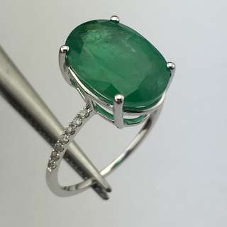 18K白金戒指 4卡57份綠寶 9份鑽石 18K Withe gold Ring 4.57ct Emerald 0.09ct Diamond 可議價