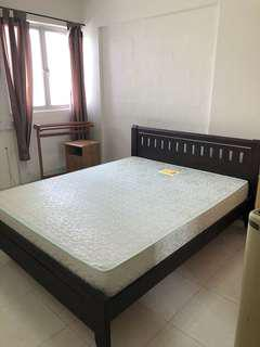 Teak bed : bedframe with mattress