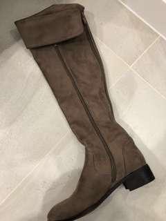Suede billini boots