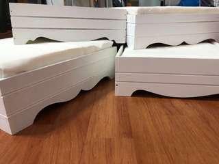 White hantaran trays/ Dulang Hantaran