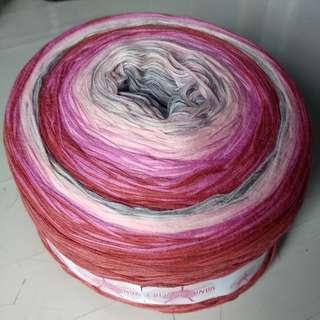 Flamingo Yarn Gradient, 8-ply Fine Cotton.