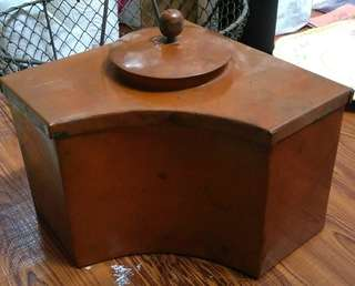 Brass corner container
