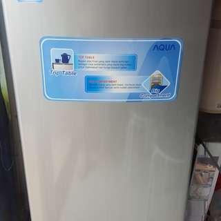 Kulkas / refrigerator / freezer