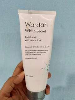 Wardah White Secret ( Masih 60%)
