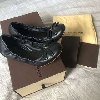 LOUIS VUITTON FLATS SIZE 35.5