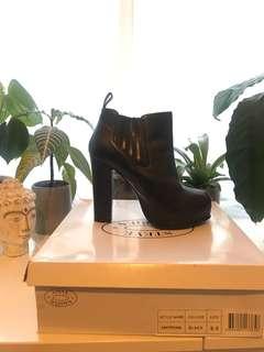 Steve Madden Black boots US:9.5