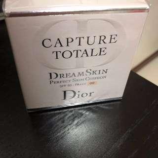 Dior dream skin perfect skin cushion SPF50+ PA+++ 012