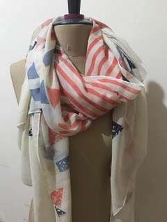 safana red scarf ( ada bolong di ujung ) NET PRICE
