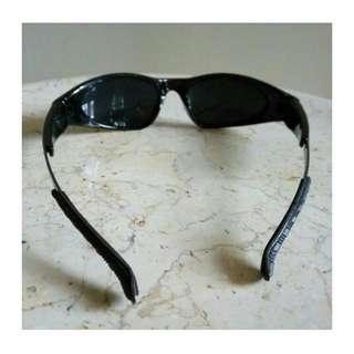 Kacamata Hitam Merek SportMan