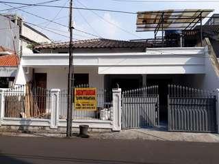 Disewakan Rumah di Setiabudi Jakarta Selatan (TANPA PERANTARA)