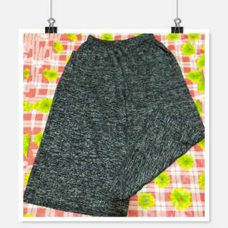 🚚 《出清》大中小尺碼 伸縮彈性灰色薄透摺痕寬長褲