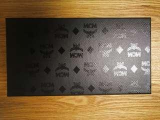 MCM 正牌長銀包盒*連布袋*